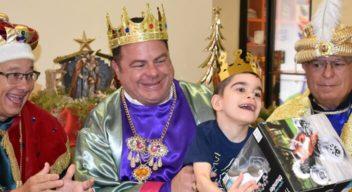 Los Reyes Magos visitan a los niños de CRIT